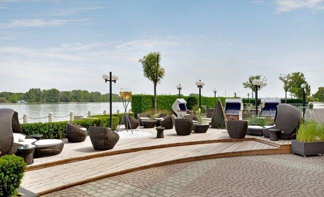 (c) Hilton Danube Waterfront